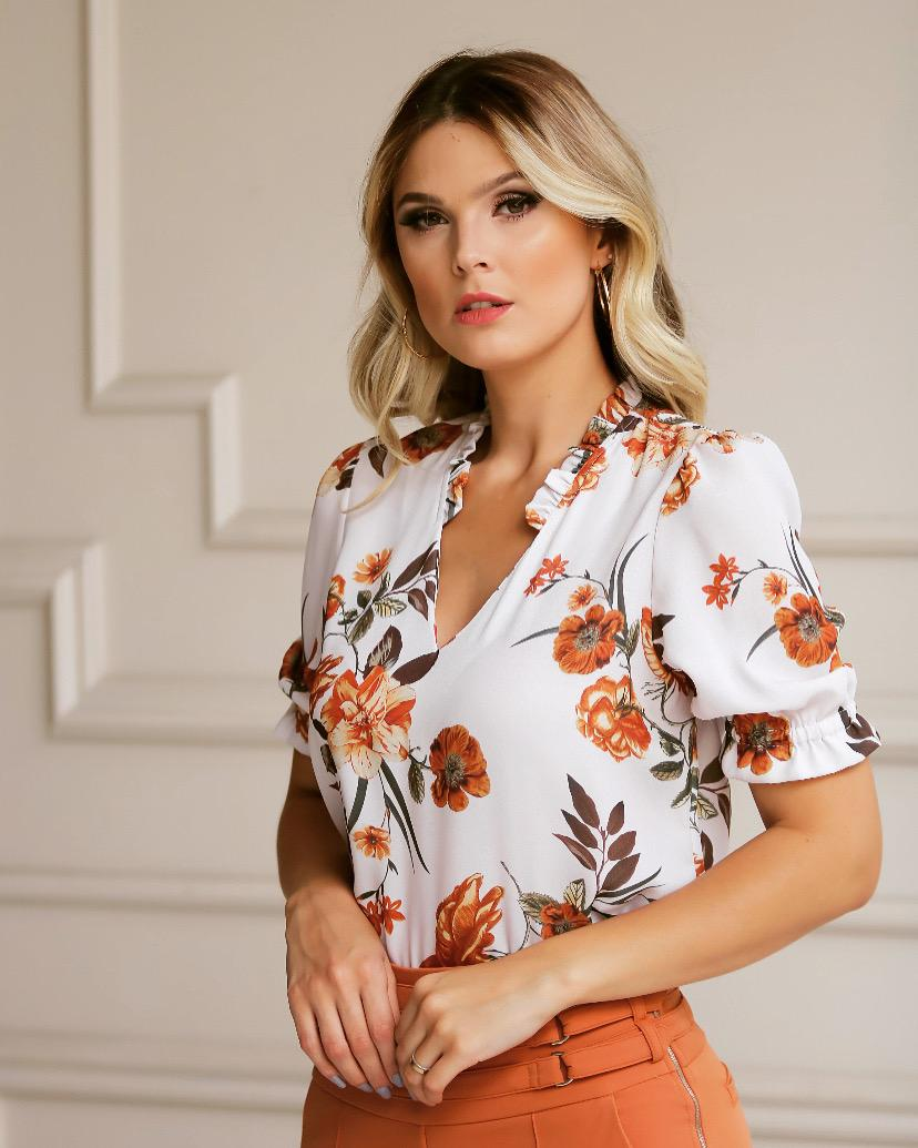 Blusa Daniela Crepe Floral  Gola franzida e fenda