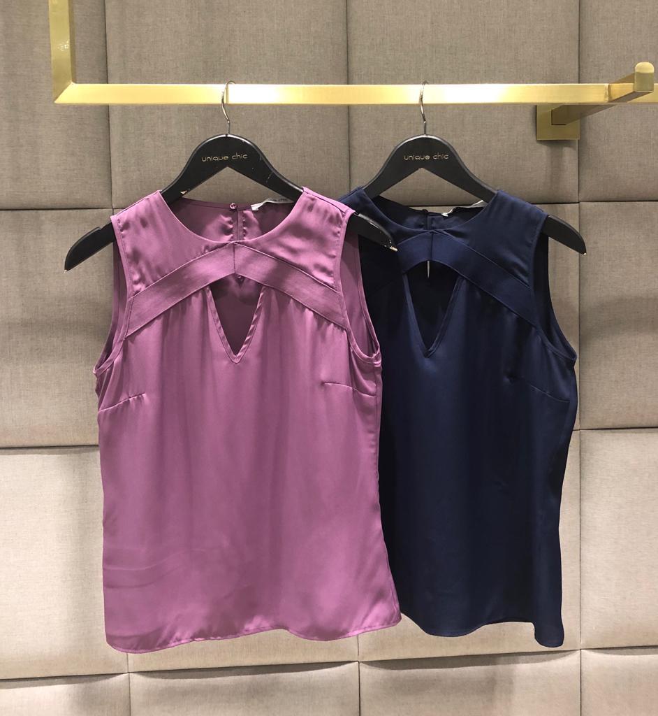 Blusa Elis Crepe Detalhe Elastico Cores lilas e Marinho