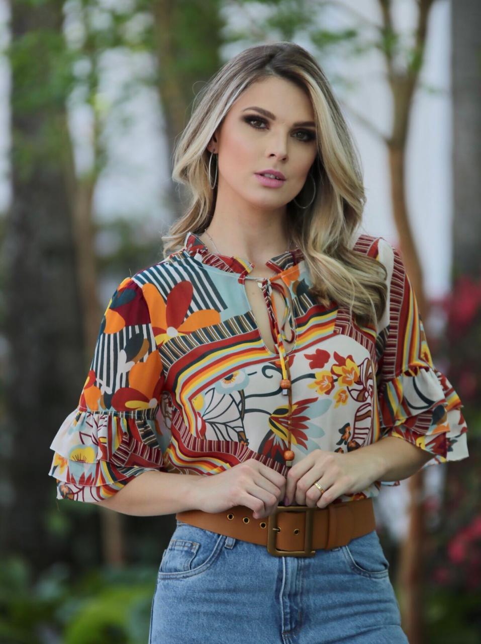 Blusa Eloisa  Chiffon shine C/Babados na MG