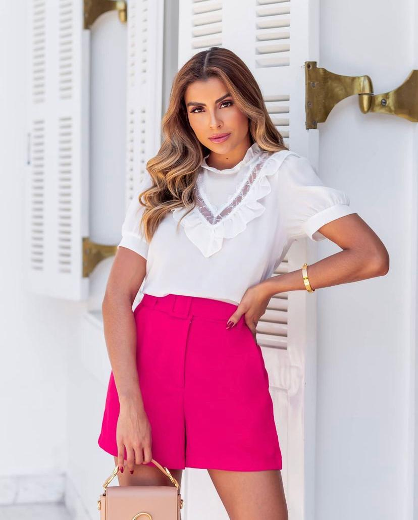 Blusa Fernanda Crepe Babados Detalhe Renda