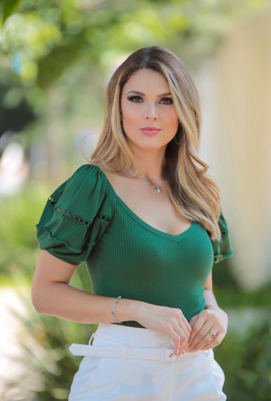 Blusa Gabriela Canelado Detalhe  em Renda