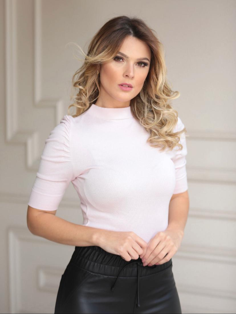 Blusa Gabriela Tricot Mg Curta