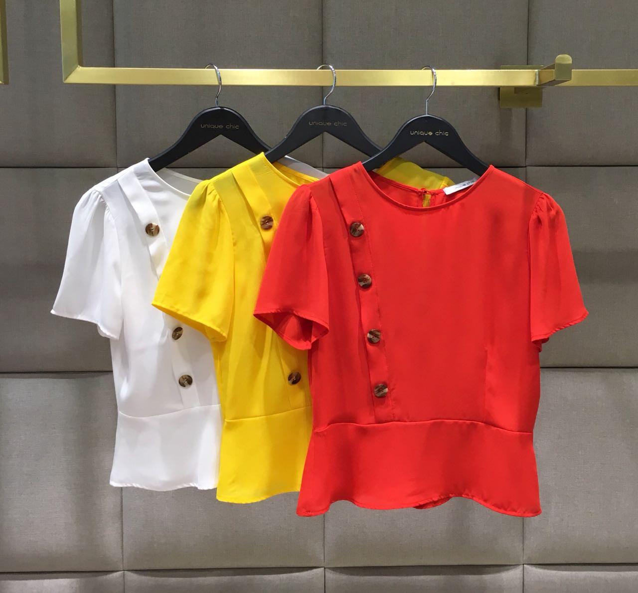 Blusa Giovana Crepe Botões Frente Cores Amarelo, Vermelho e Off