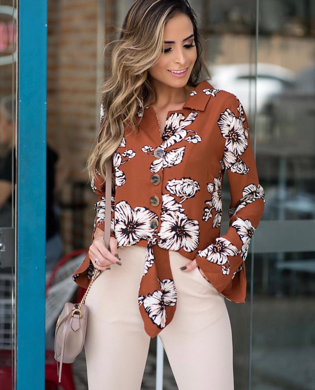 Blusa Gisele Crepe Floral Detalhe Amarração