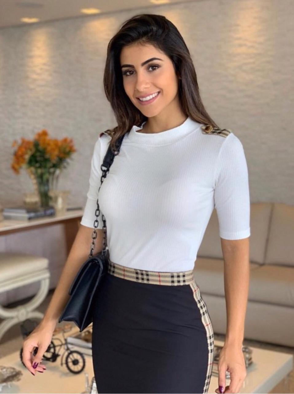 Blusa Isabella Malha Canelada Detalhe Xadrez Ombro