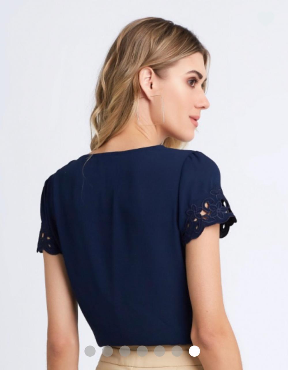 Blusa Jordana Crepe Detalhe Bordado