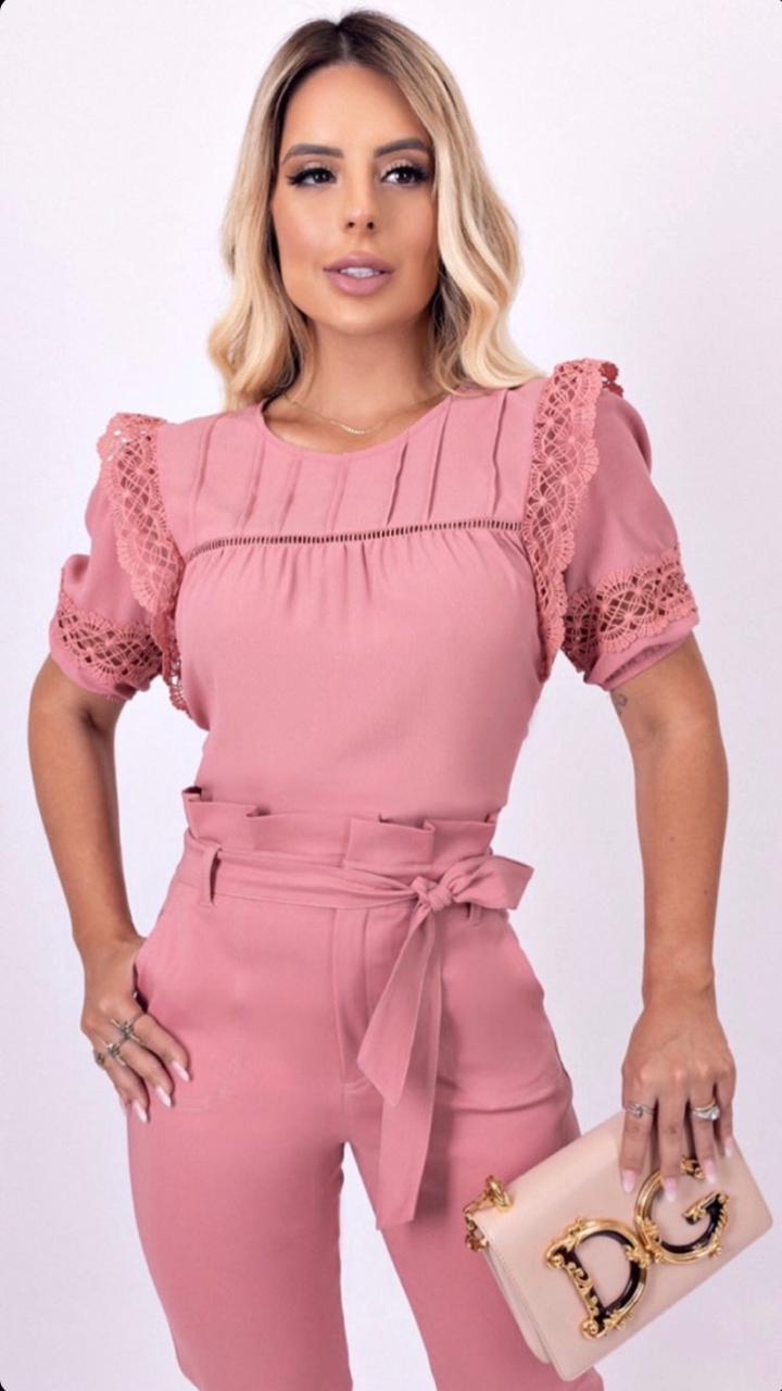 Blusa Jordana Crepe Detalhe Renda