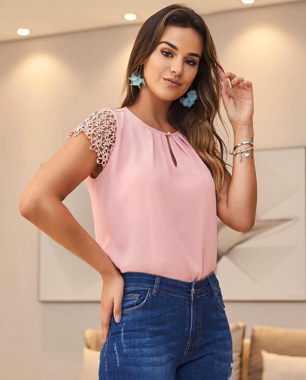 Blusa Juliana  Crepe com  Pregas MG Guipir