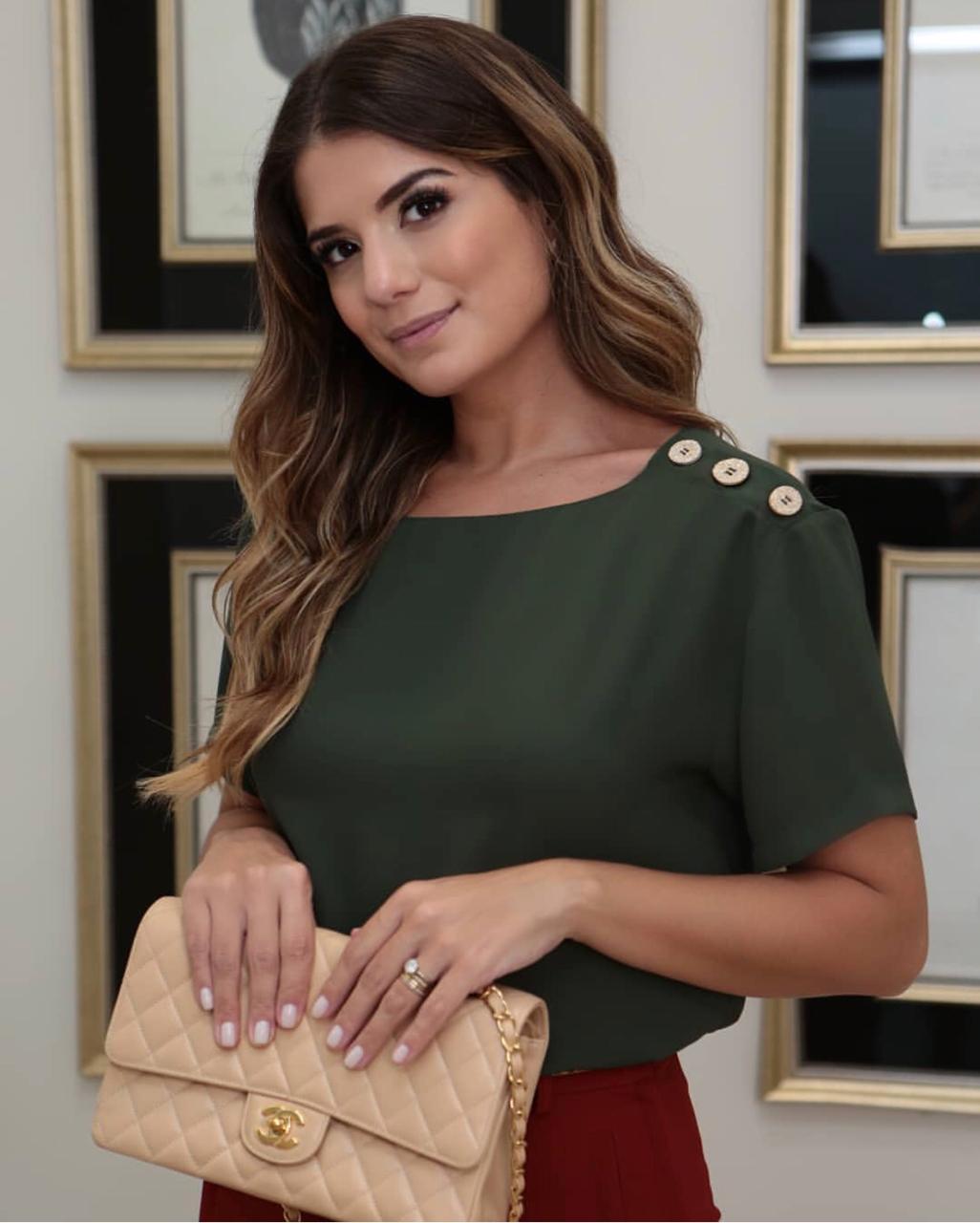 Blusa Juliana Crepe detalhe Botões