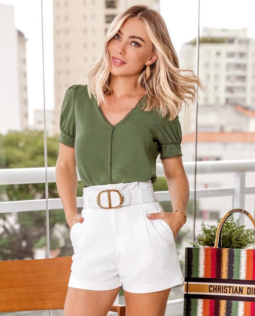Blusa Juliana Crepe Detalhe Renda