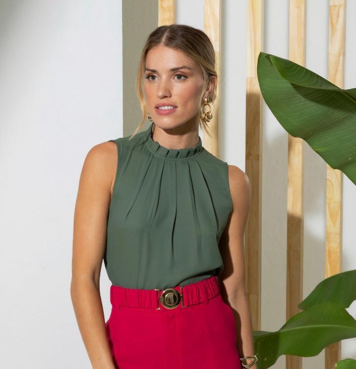 Blusa Karen Crepe Pregas Basic