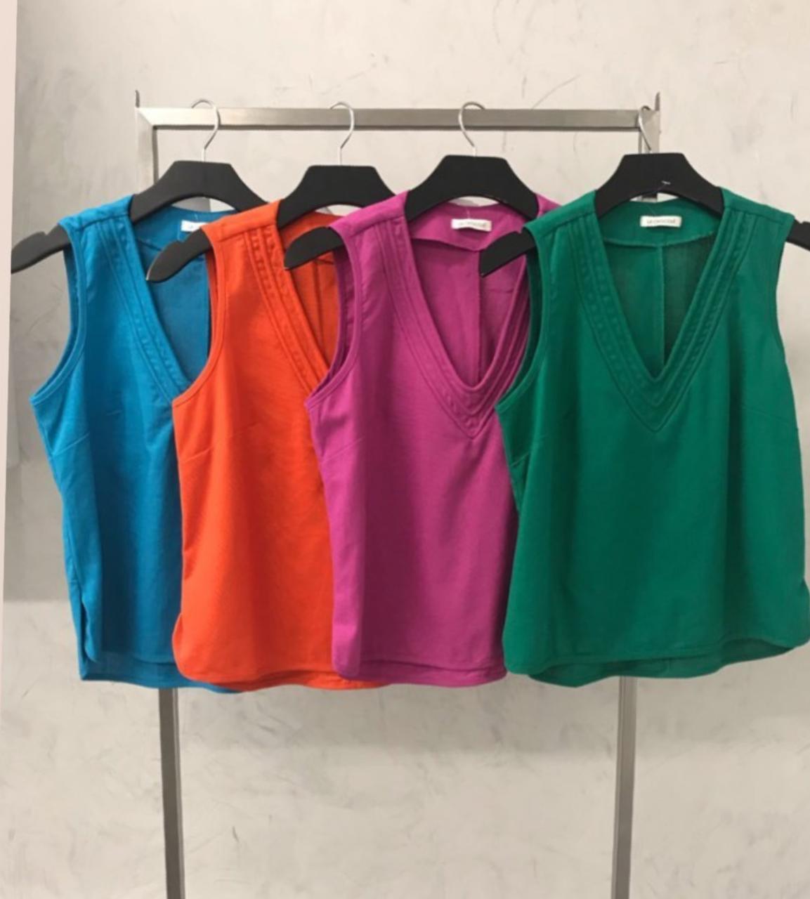Blusa La Chocolê linho decote V detalhe cordão  cores fúcsia