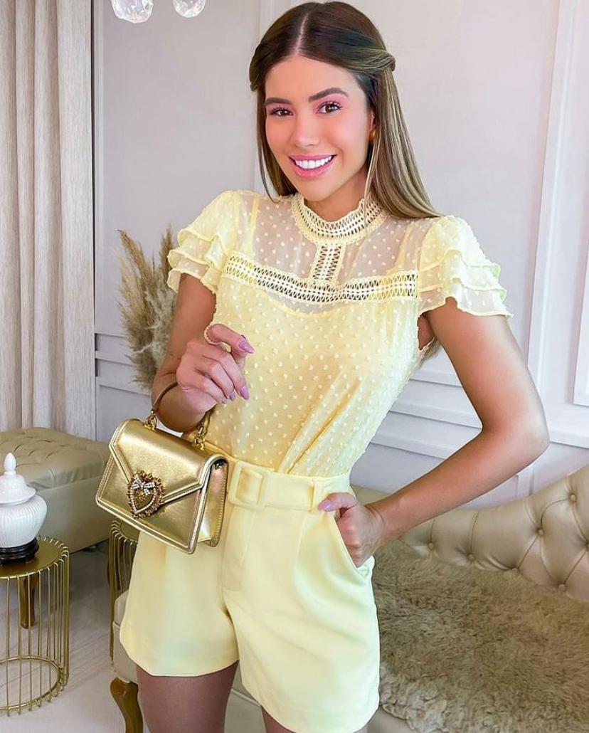 Blusa Layla Crepe  Detalhe em Renda  + regata