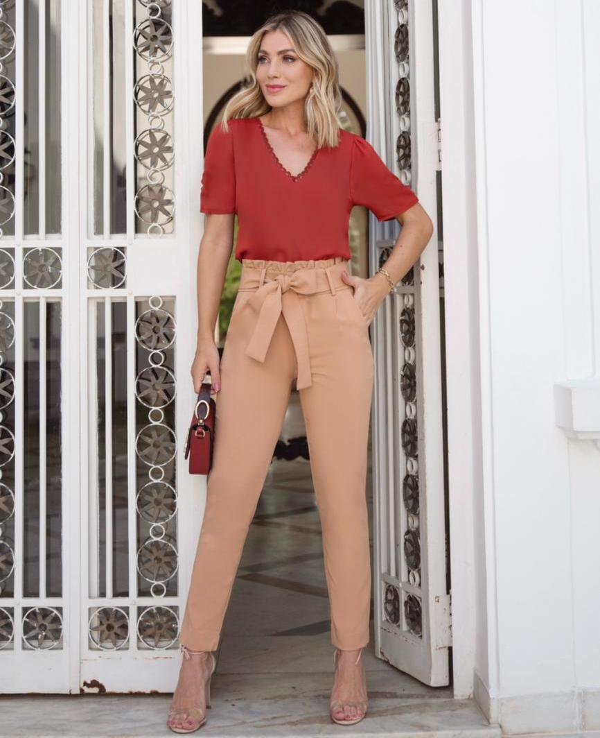 Blusa Liliana Crepe  Frente  Dupla Detalhe no Decote