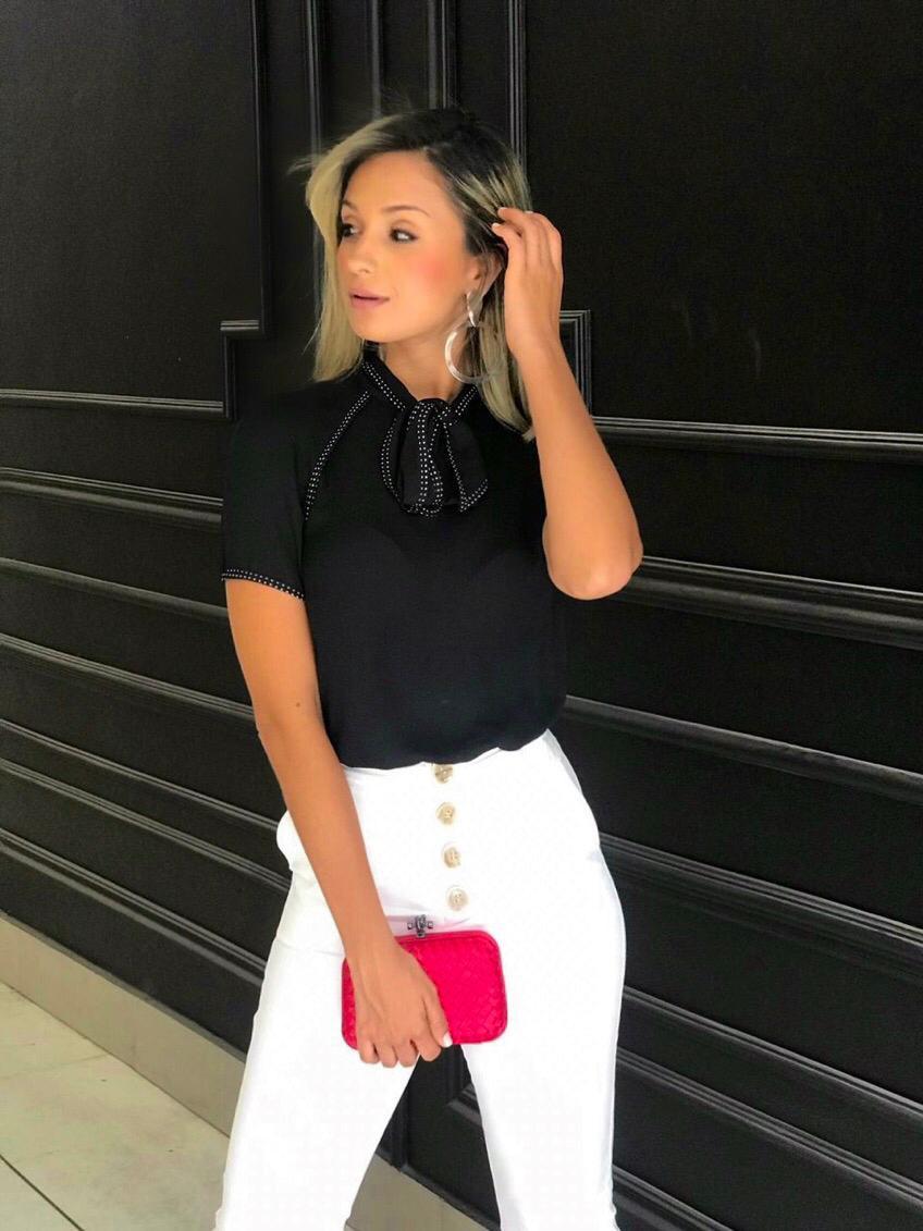 Blusa Liliana Crepe Laço Detalhe Poa
