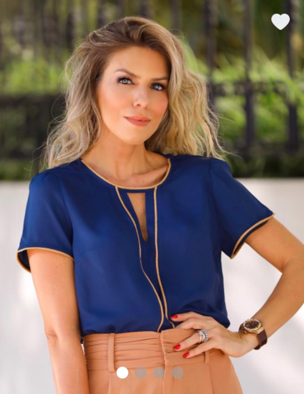 Blusa Lize Crepe Vivo Decote cor :azul Marinho