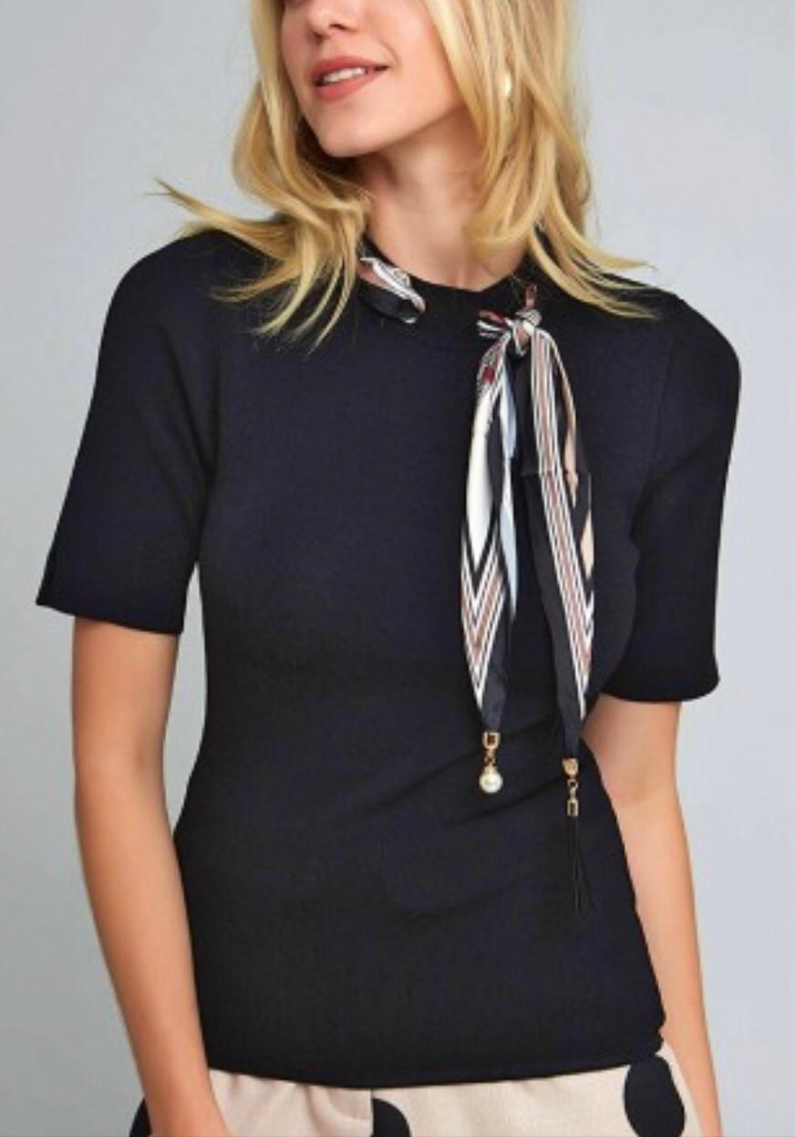 Blusa Bianca  Tricot detalhe lenço