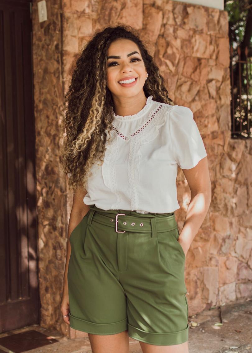 Blusa Luana Crepe Detalhe em Renda