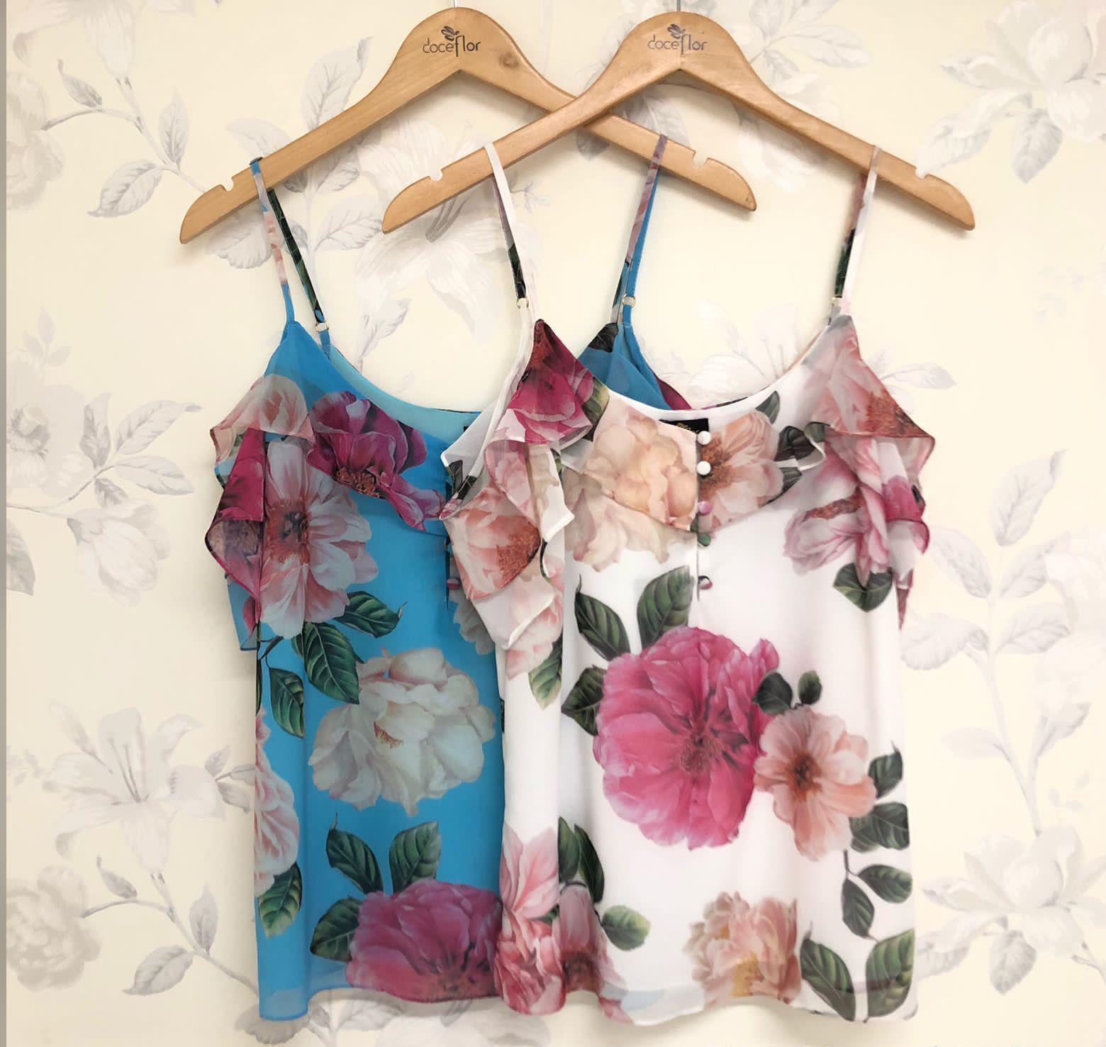 Blusa Luana Floral Detalhe Ombro Vazado