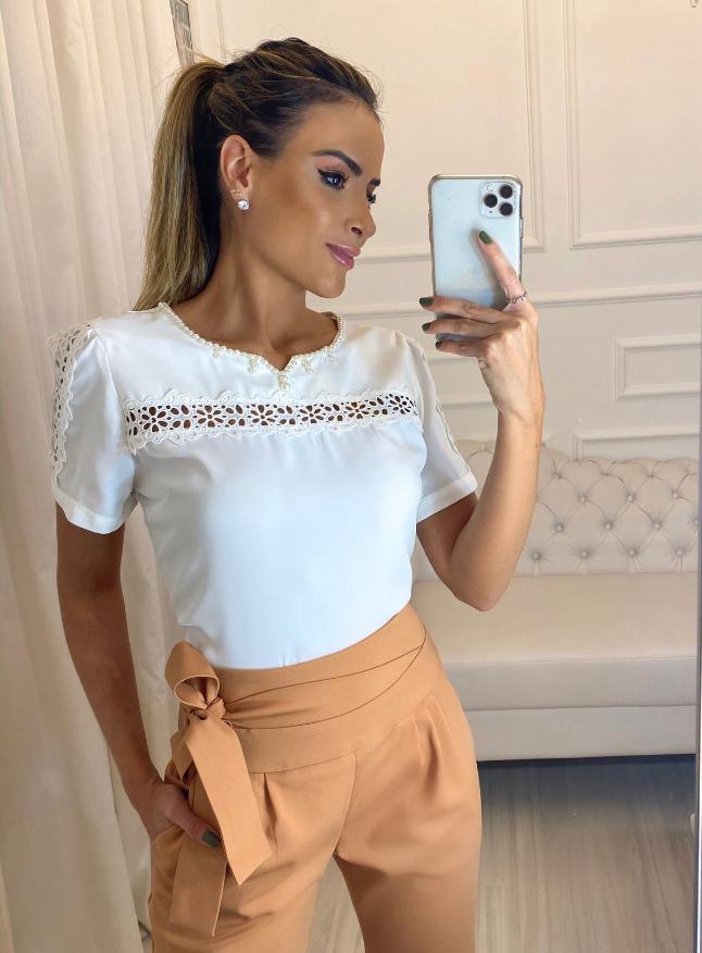 Blusa Luiza Crepe Decote Com Perola