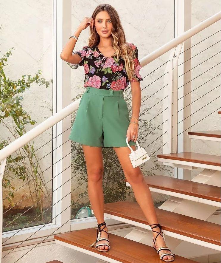 Blusa Manuela Chiffon Floral Detalhe Maxi Gola + Regata
