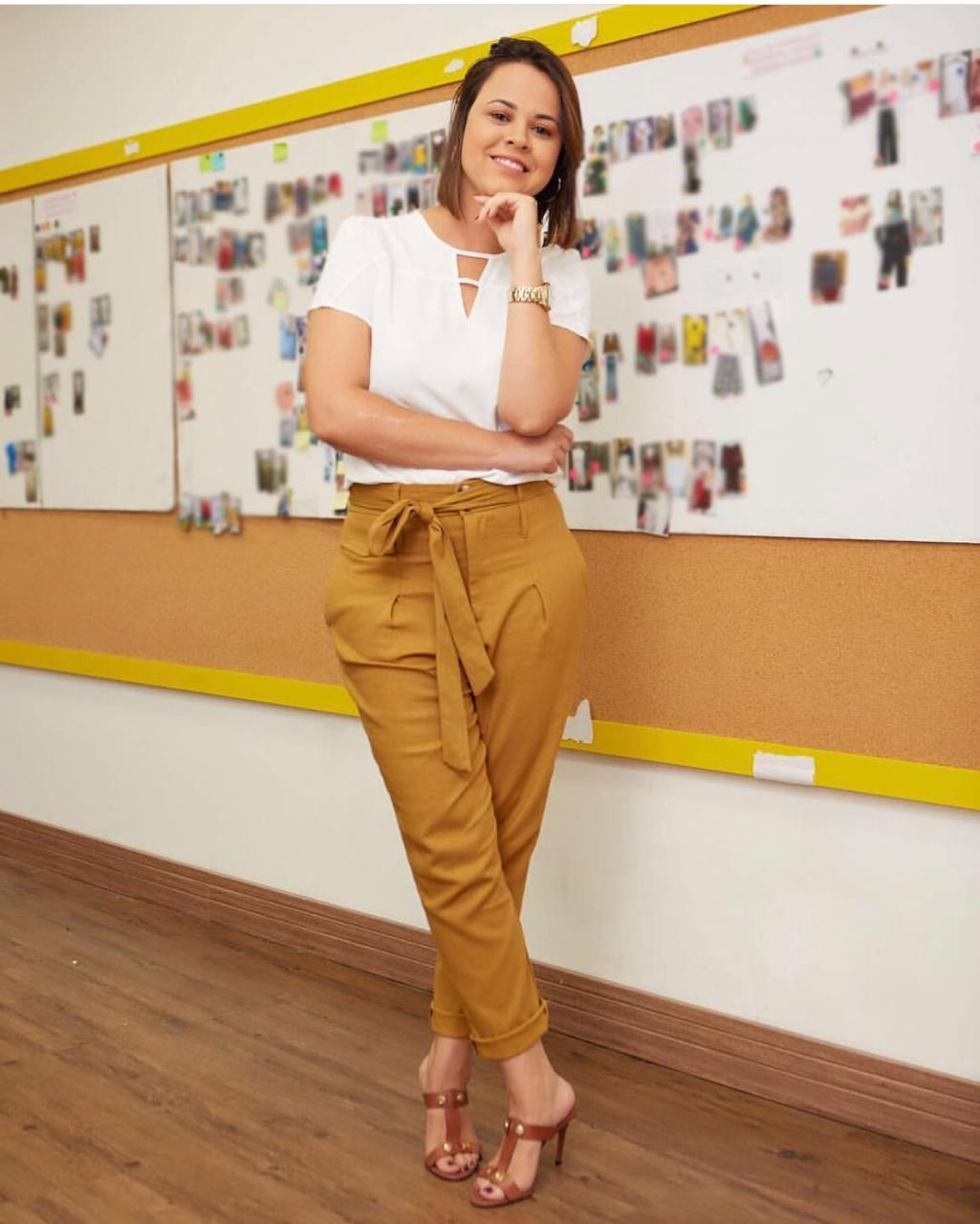 Blusa Manuela Crepe Detalhe tiras