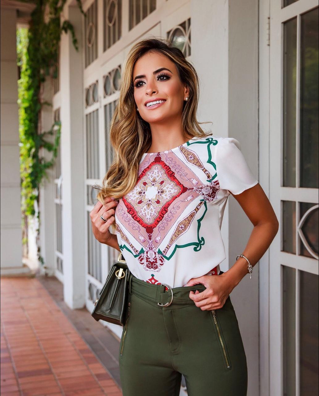 Blusa Marisa Crepe Print lenço