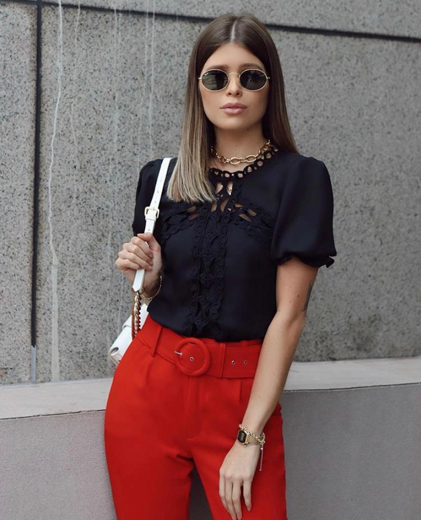 Blusa Mila Crepe Com elastico na Cintura e Renda