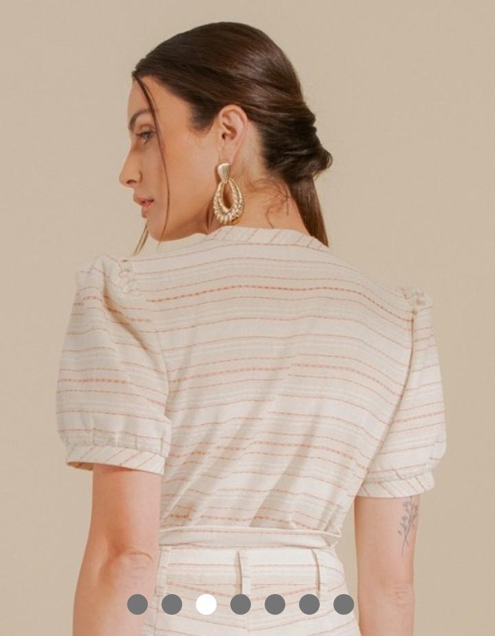 Blusa Monique Linho Listrada Detalhe Botões