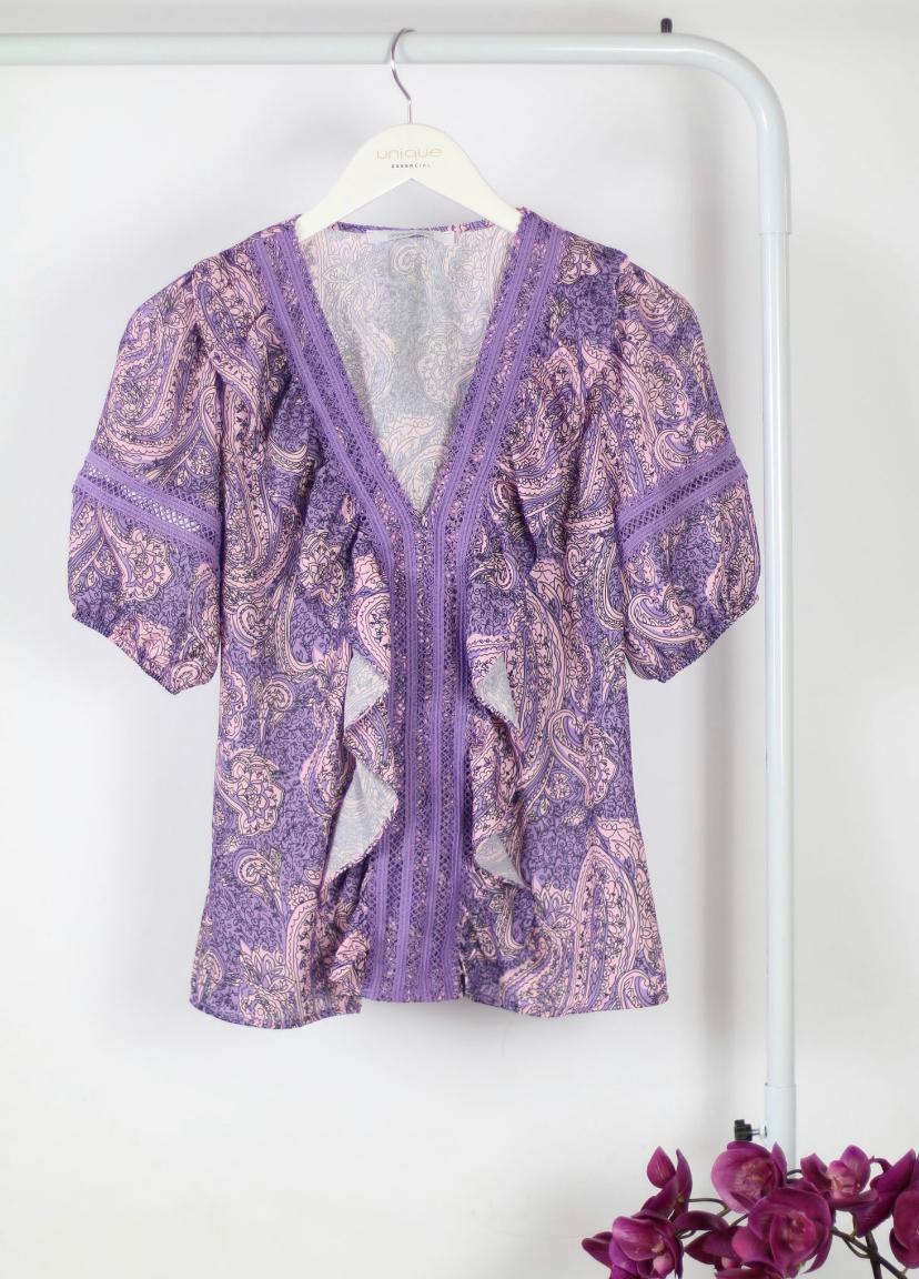 Blusa Nara Crepe  Print Cashemer Detalhes em  Renda