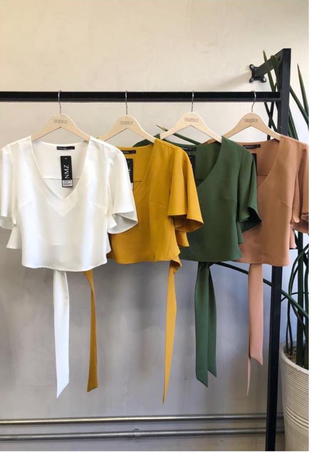 Blusa Natasha Crepe com amarração nas costas cores: Off,Mostarda,Rose e Verde