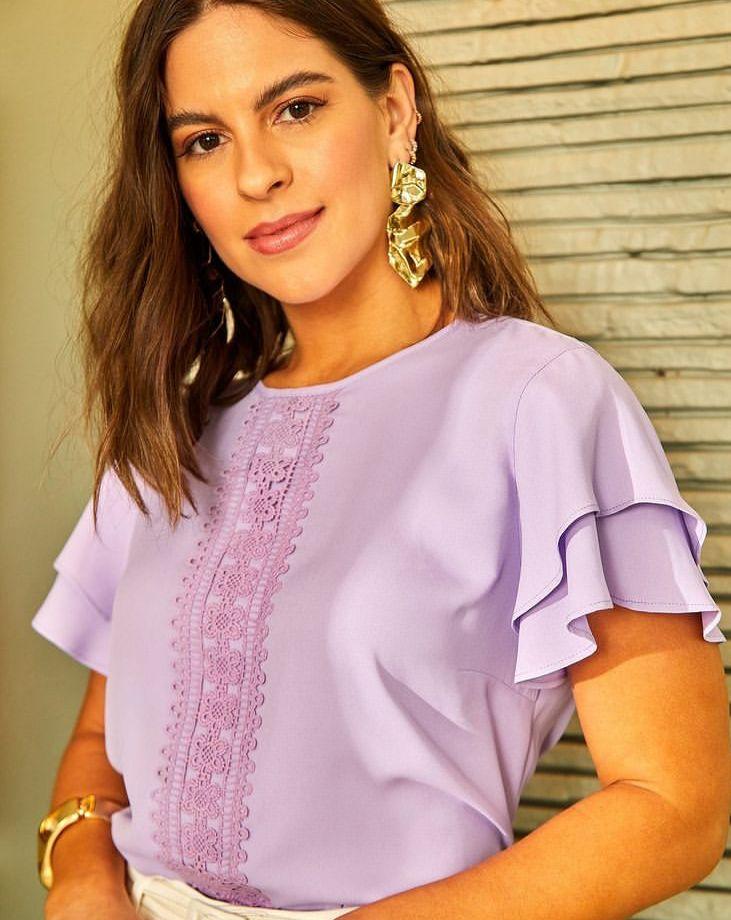 Blusa Nicole Crepe Detalhe Renda