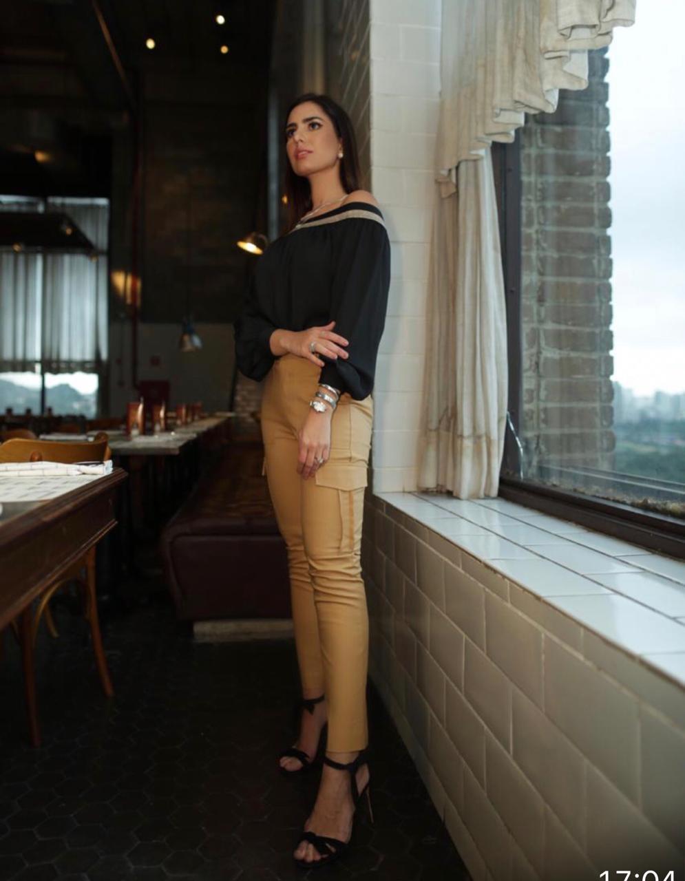Blusa Nicole Ombro a Ombro Crepe Elástico Ombro