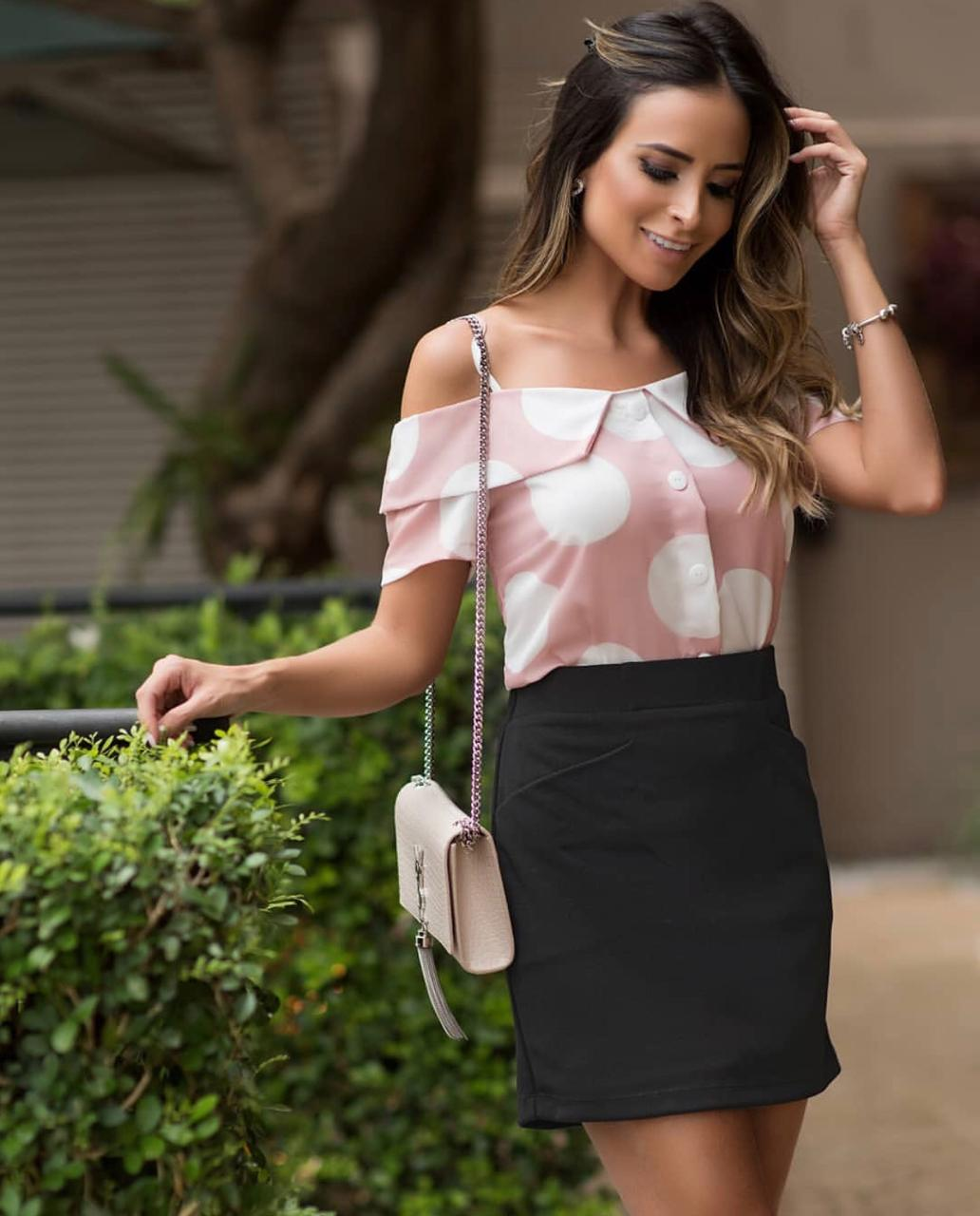 Blusa Poliana  Crepe Poas Ombro Vazado Rose e Preto