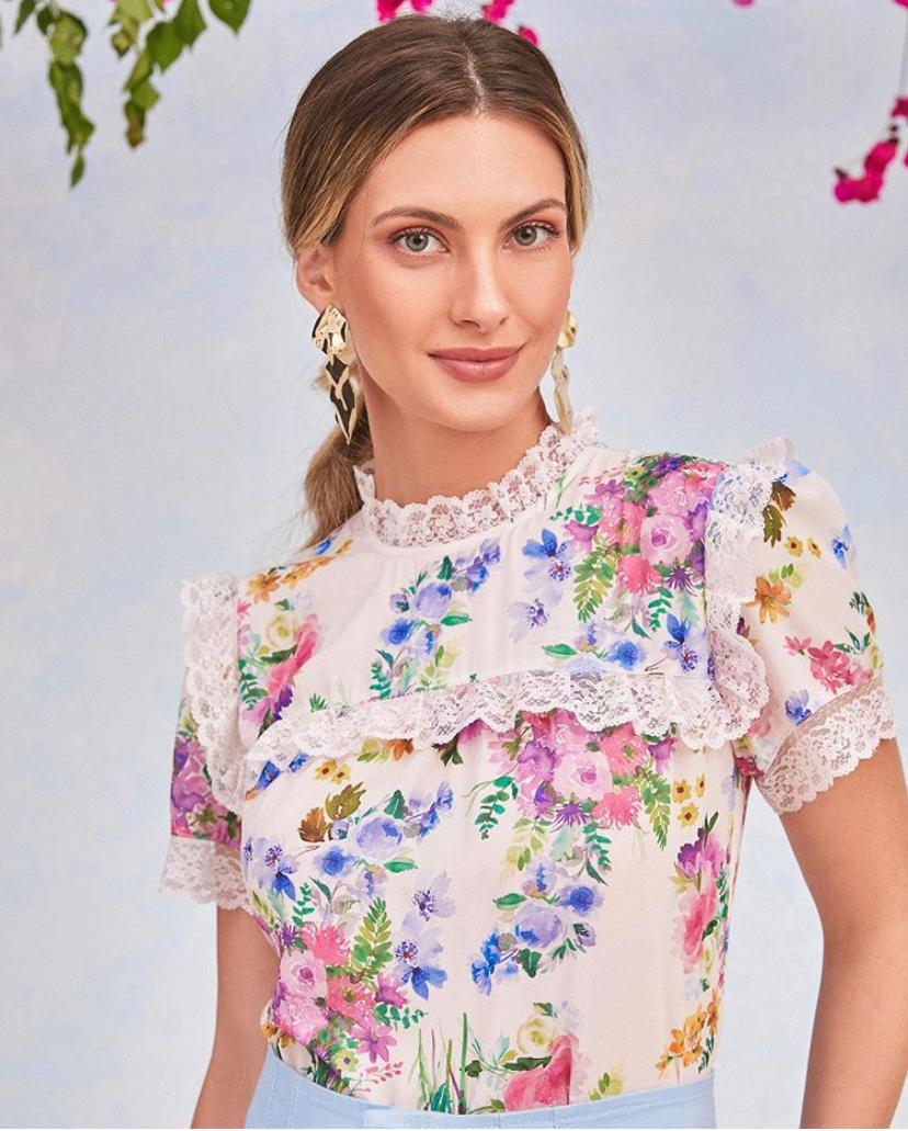 Blusa Rafaela Crepe Floral Rendada