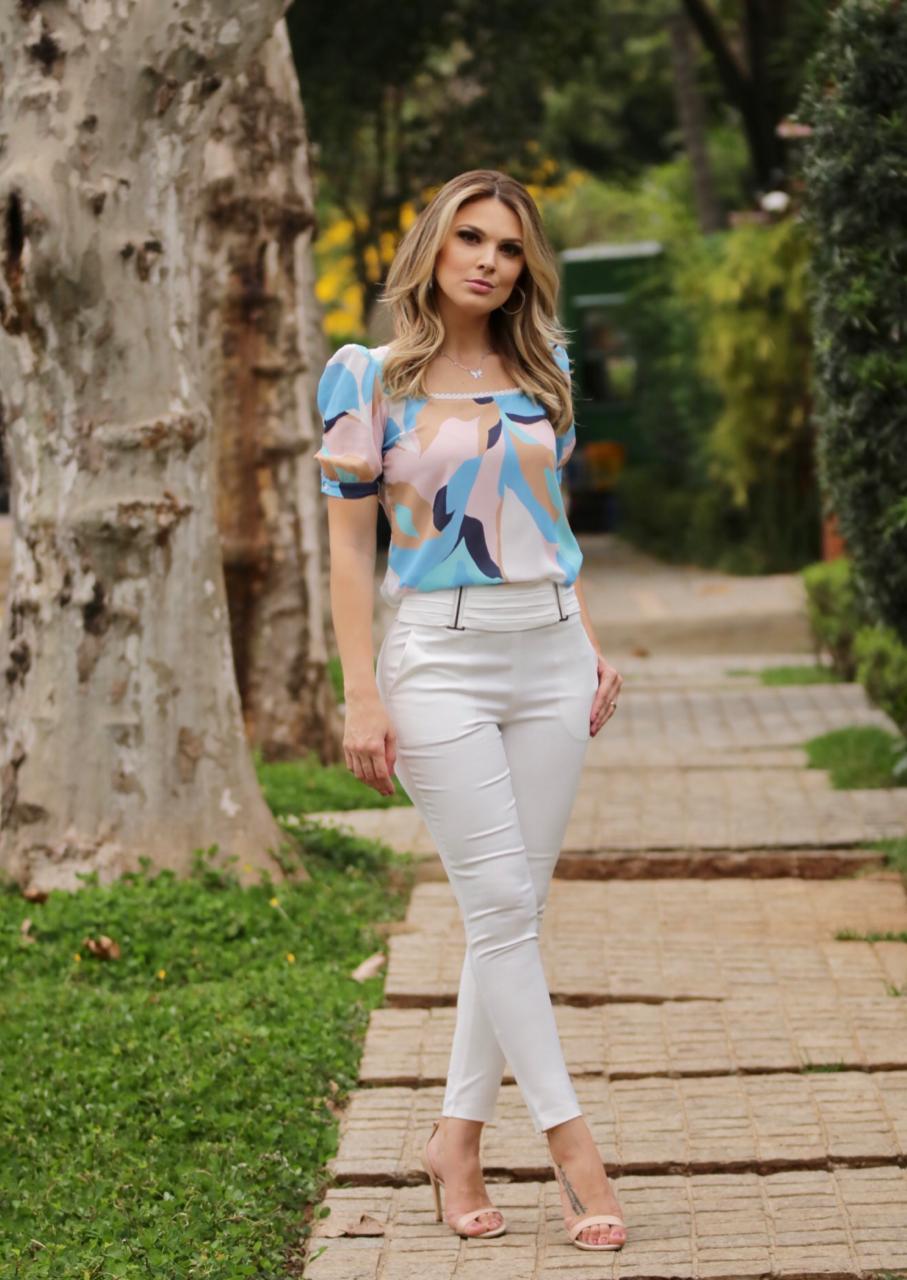 Blusa Rafaela Crepe Print Decote Princesa