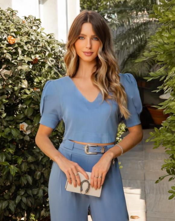 Blusa Sabrina Viscose Detalhe Cropped Decote V