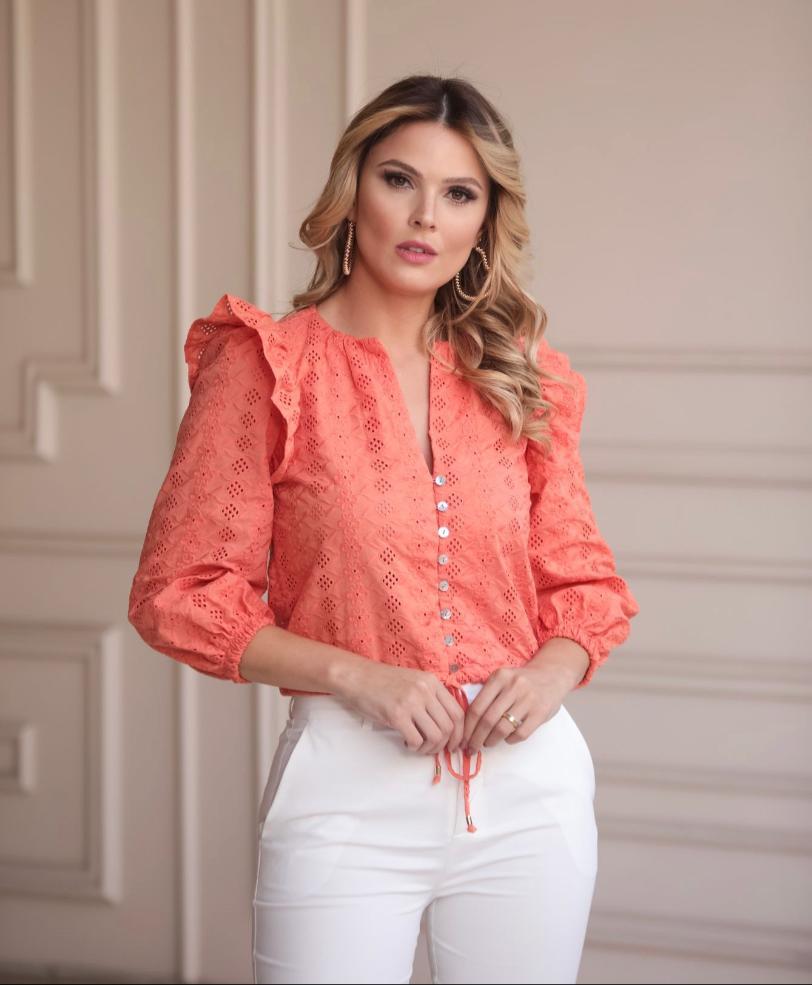 Blusa Samia Laise  Detalhe Amarração e Babado