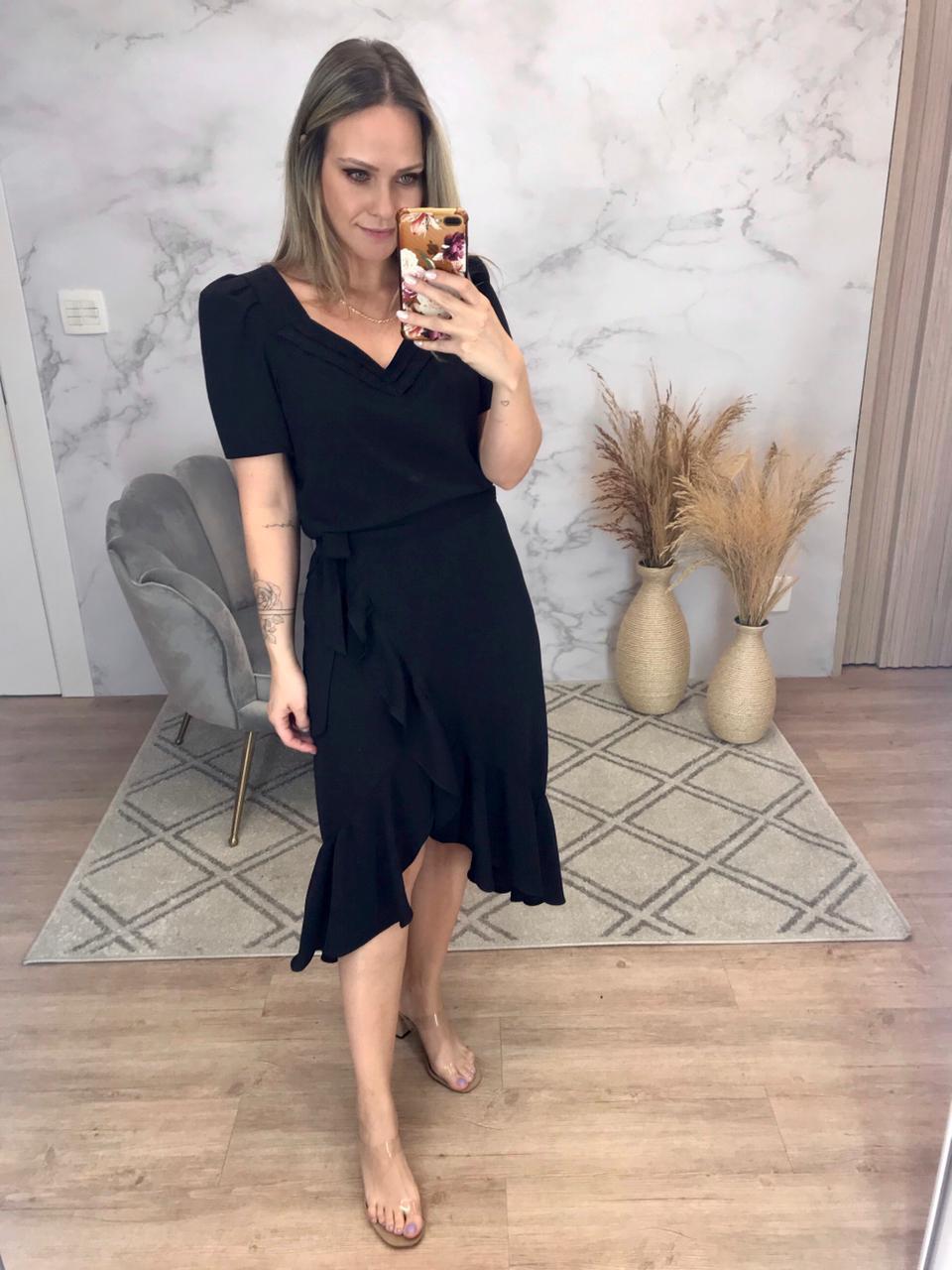 Blusa Simone Crepe Linen Detalhe Decote Princesa Manga Bufante