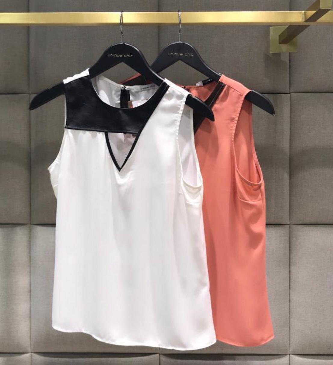 Blusa Solange  Detalhe em Couro Crepe Cores Off e Rose