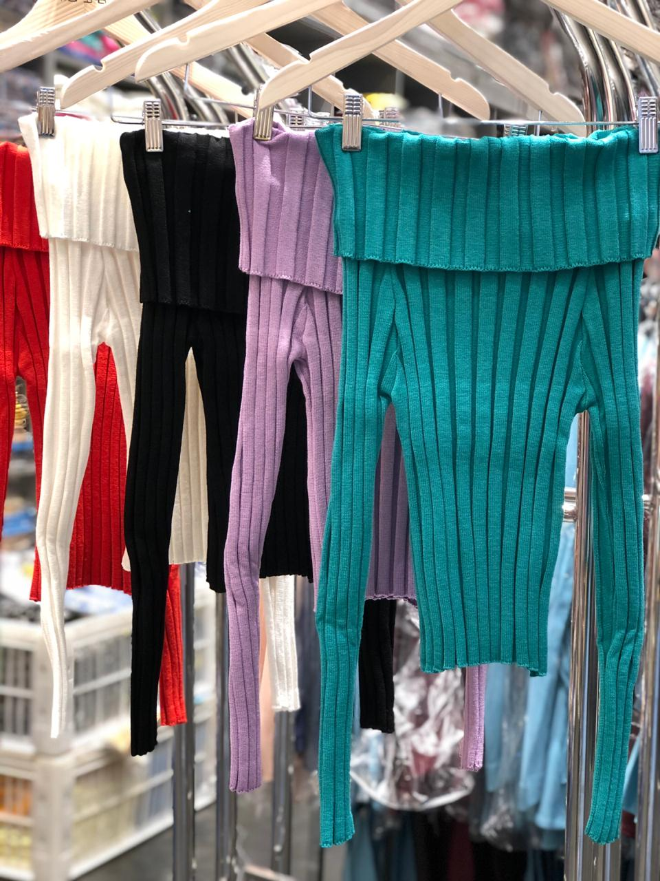 Blusa Tricot Morina Modal  Canelado Ombro a Ombro Cores Off, Verde, Lilas, Vermelho e Preto