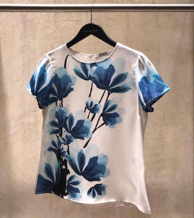 Blusa Veridiana Crepe Floral Blue
