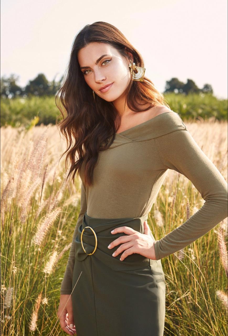 Blusa Vivian  Unique Malha Ombro a Ombro