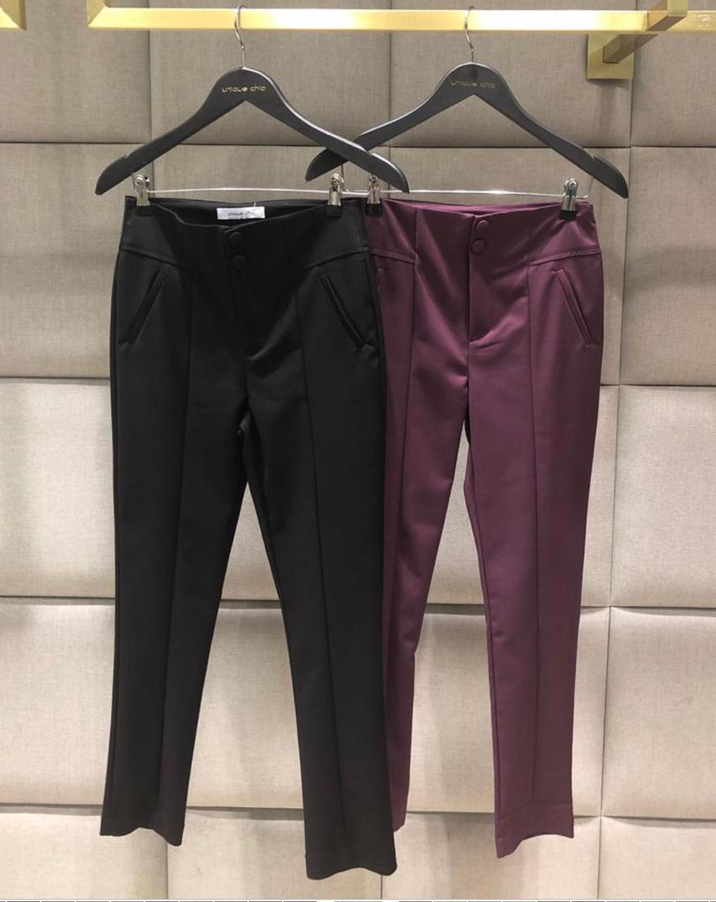 Calça Beatriz  Skinny Cintura Alta Sarja com 4% elastano Cores Purpura e Preto