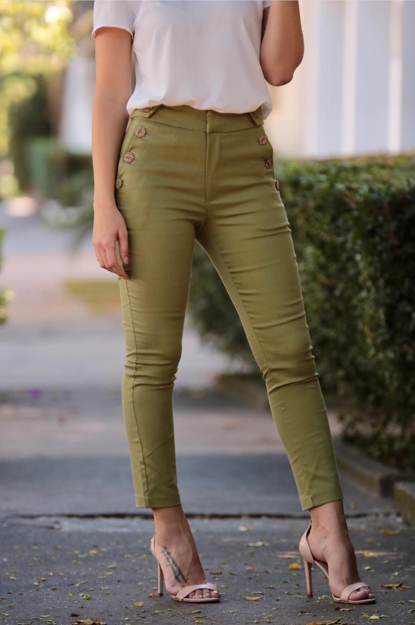 Calça Danila Unique Sarja Botões Skinny 2% Elastano