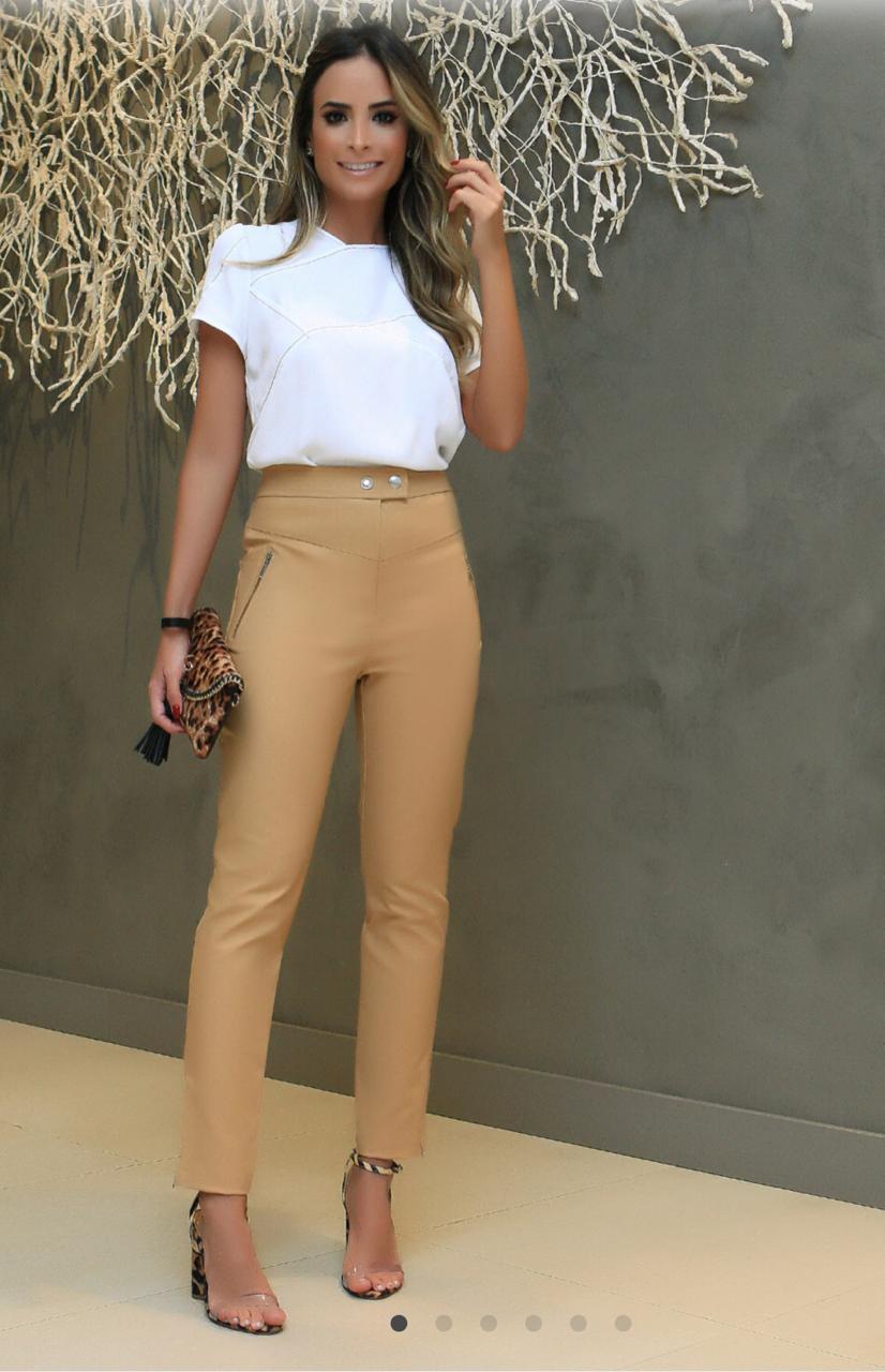 Calça Fernanda Alfaiataria (97% algodão e 3% elastano) Cores Bege e Verde