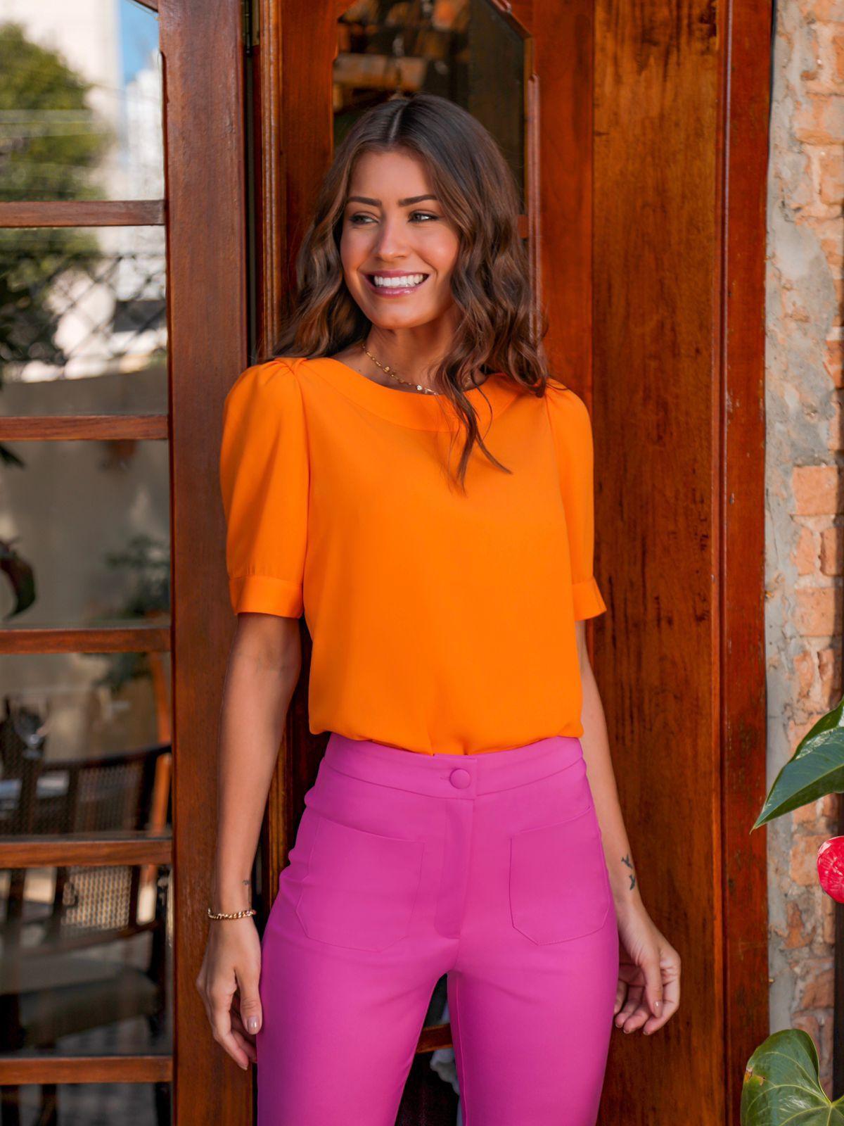 Calça Caroline Flare  Alfaiataria Cintura Alta Detalhe Bolso Frente 4% Elastano