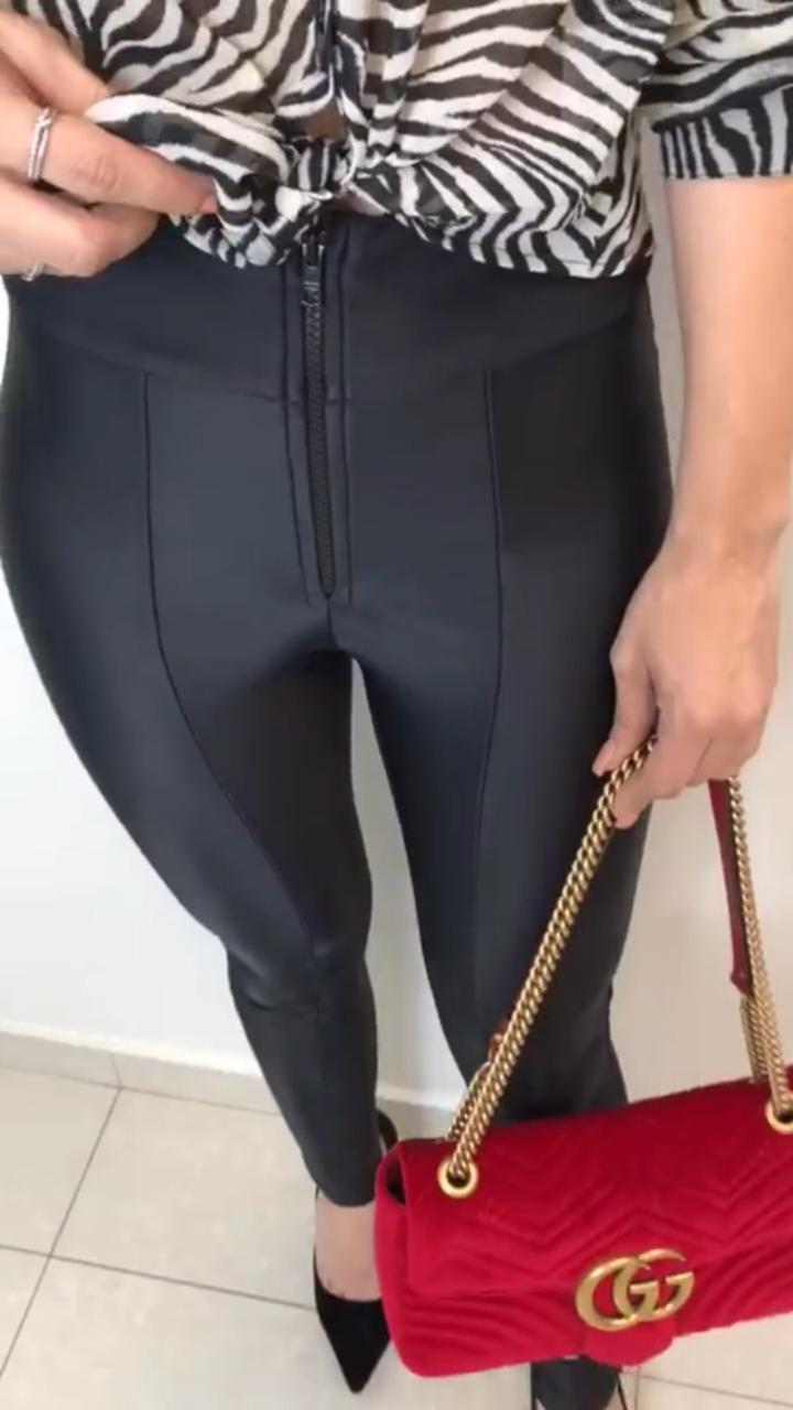 Calça Gisele Power Com Zipper Frontal Skinny