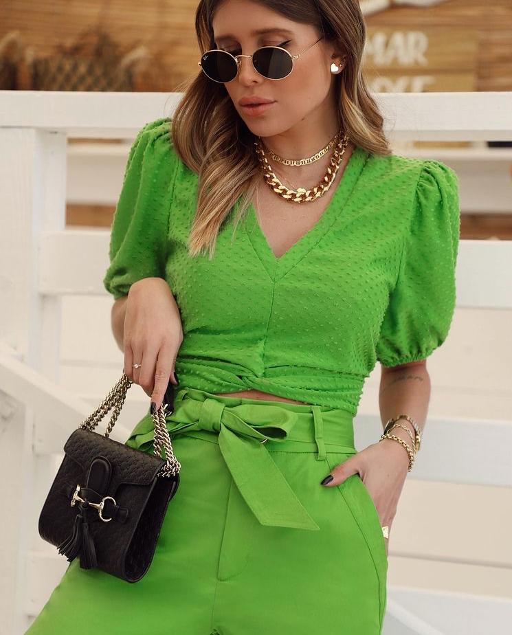 Calça Kate Alfaiataria Sarja Cos Clean Detalhe Bolsos Laterais + Faixa 3% Elastano