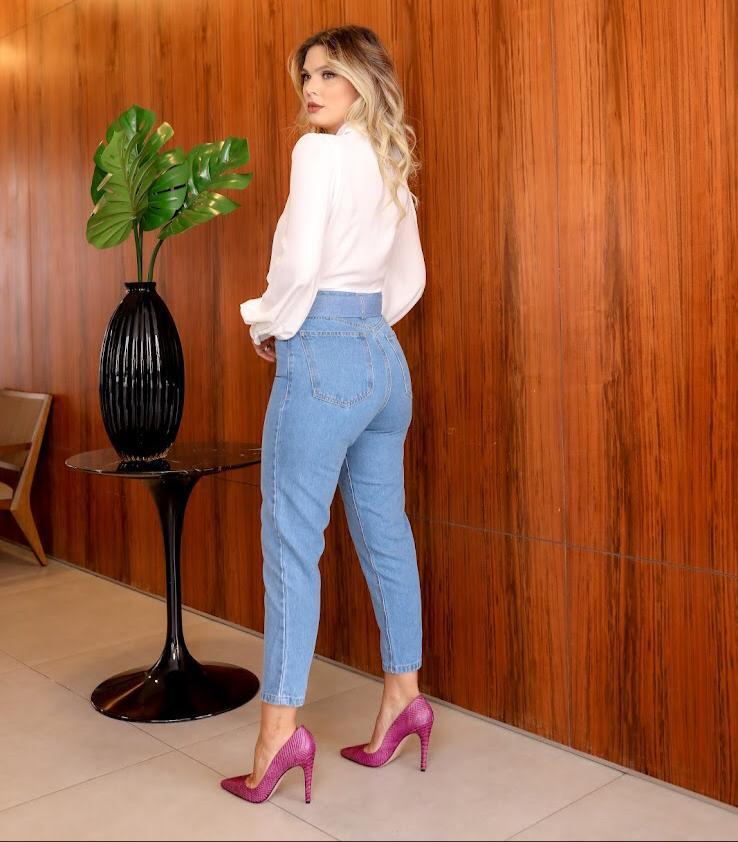 Calça Laure Mom Jeans + Cinto